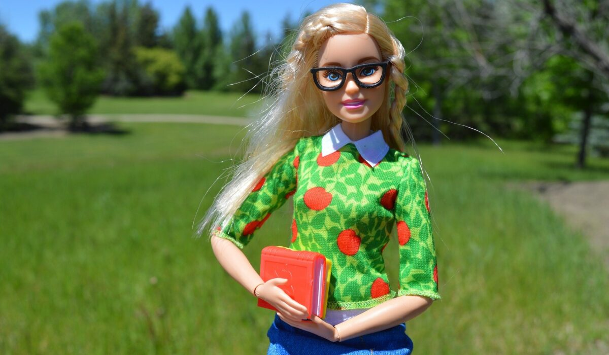 Кукла Барби подходящи играчки детски психолог